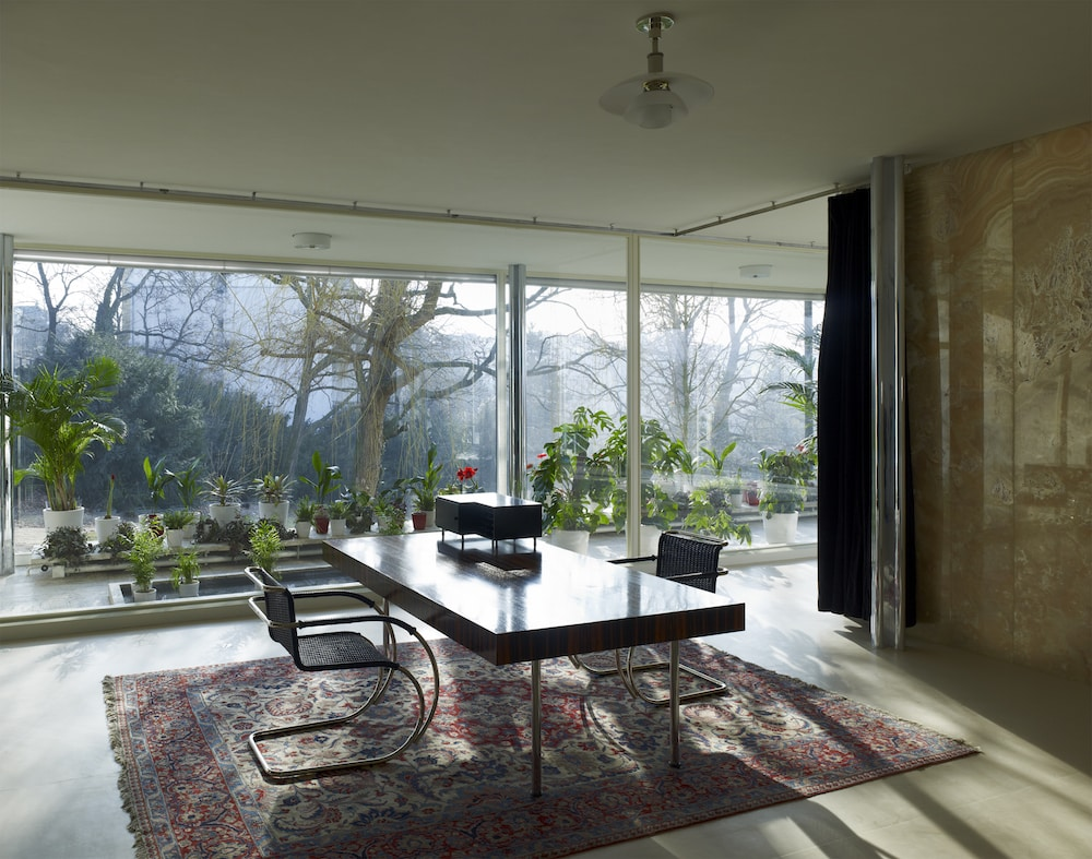 Study and library of Mies van der Rohe's Villa Tugendhat