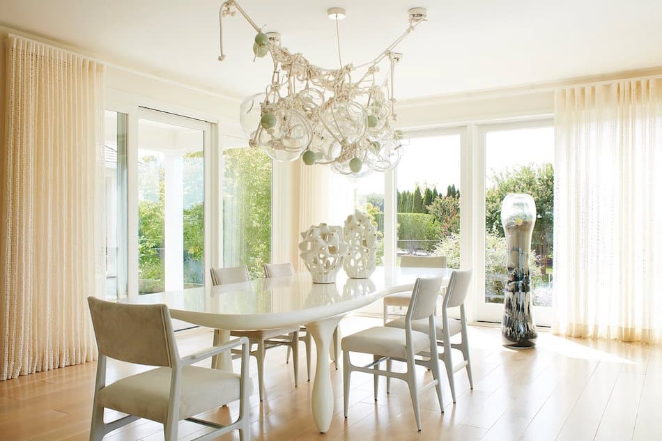 beach house dining room by Amy Lau