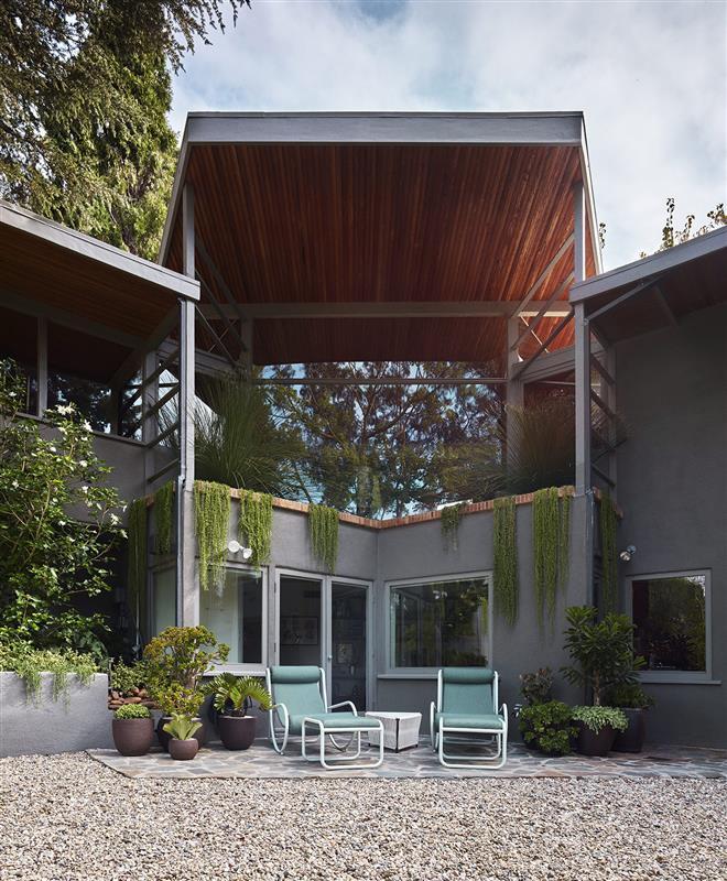 Studio Shamshiri house in California