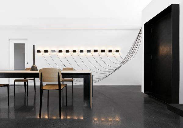 LMDstudio-Lighting-Perriand-Sconce-Installation-Steph-Simon-Edition-02_grande