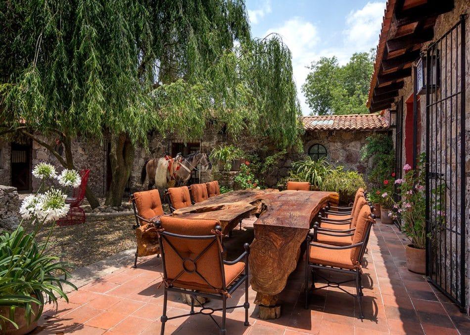Mexico patio by Sofia Aspe