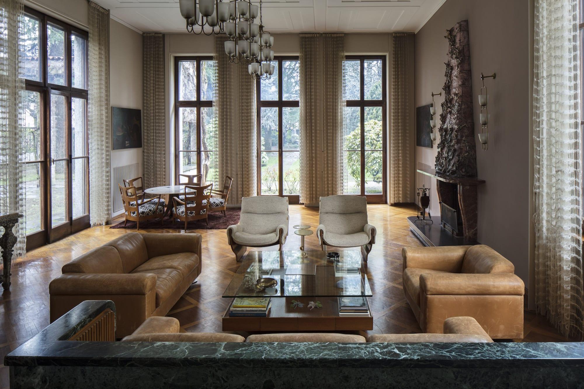 The sunken living room of Villa Borsani