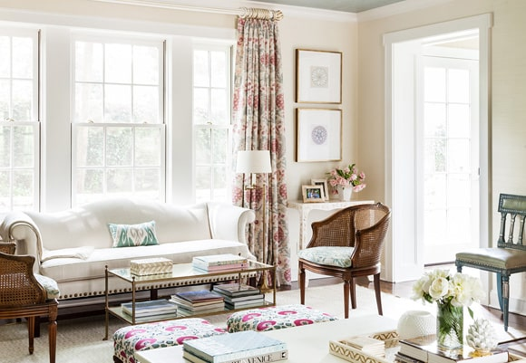 eclectic-traditional-living-room-rye-ny-by-sara-gilbane-interiors1