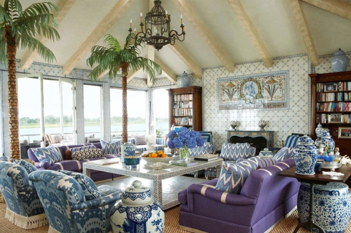 kirsten-kelli-gerald-Ford-living-room-Southampton-beach-house-guest-cottage
