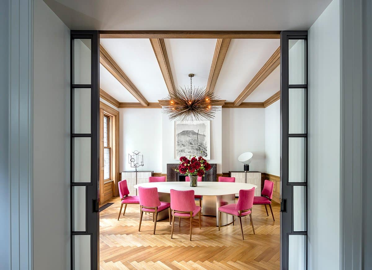 A dining room on New York's Riverside Park designed by Steven Harris / Rees Roberts & Partners.