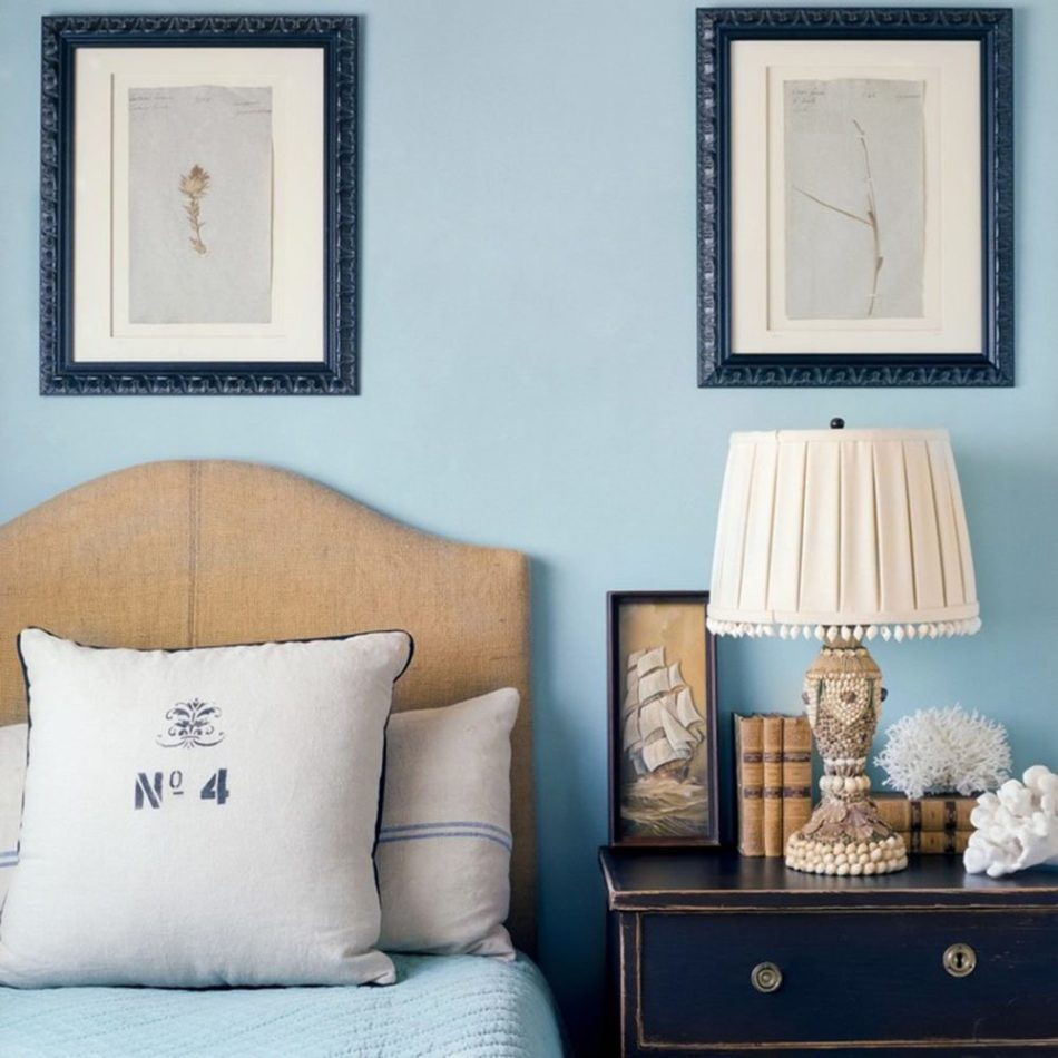 blue and white bedroom by Giannetti Home